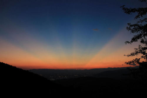 tramonto-raggiante-1600x1067